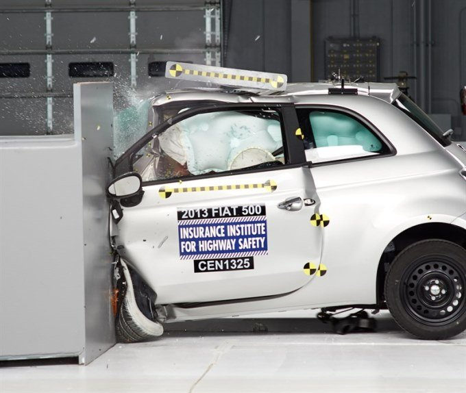 Fiat 500 crash test 25% surface frontale